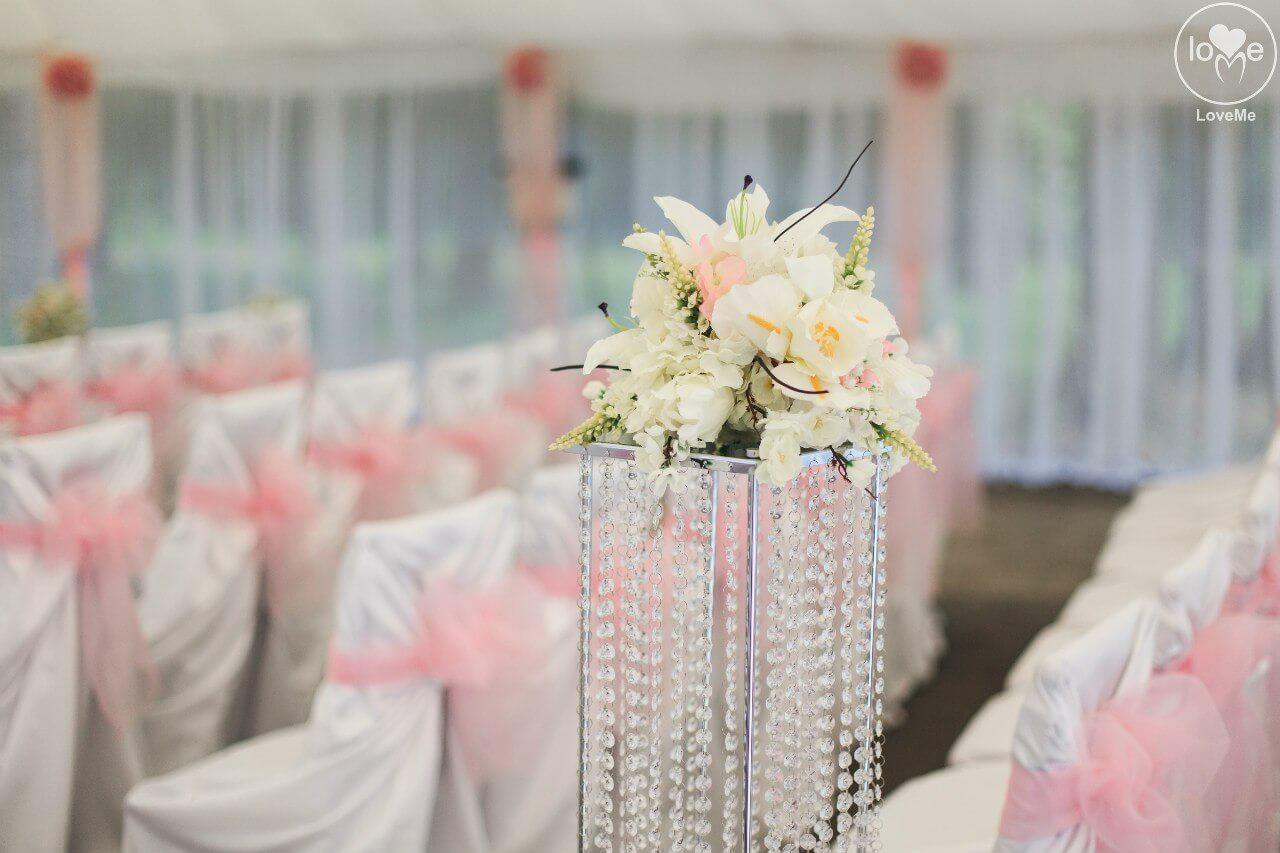 хрустальная стойка свадьба бело-розовая в стиле сваровски выездная регистрация декор банкета свадебное агентство ЛавМи Могилев печерское предместье