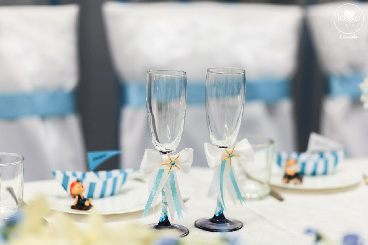 бокалы молодых Санта Мария морская свадьба Могилев организация и декор свадьбы украшение зала