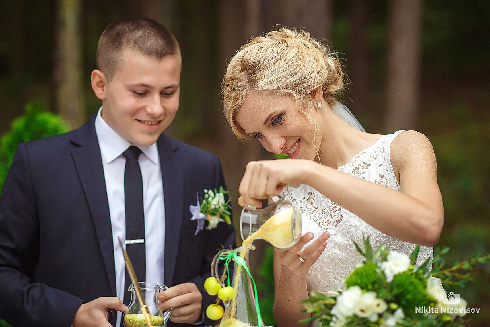 песочная церемония яблочная зеленая салатовая свадьба Могилев выездная регистрация роспись церемония в шатре у куркуля могилев свадебное агентство ЛавМи организация свадьбы декор банкета ресторана шатра
